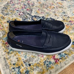 Cole Haan navy Nantucket loafer size 7.5